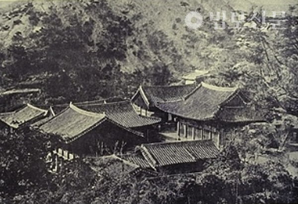 1902년 세키노 타다시 도쿄제국대학 건축과 교수가 찍은 중흥사 전경.